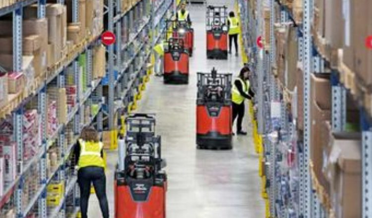 """The """"New World Of Retail"""" Employment Is Now Working In A Warehouse"""